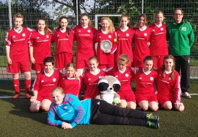 31.05.2015 - C-Mädchen mit Bezirksliga-Sieger-Teller