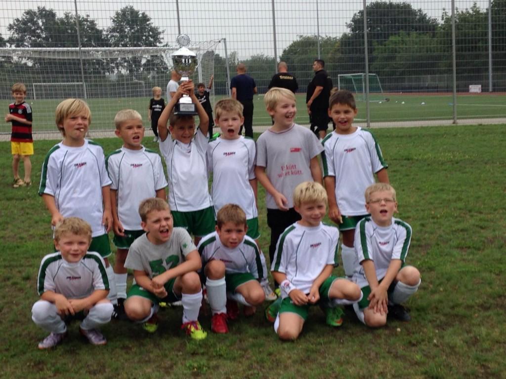 Saison 2015/16 – Mannschaftsfoto U9 - Turnier Hangelar vom 8.8.2015