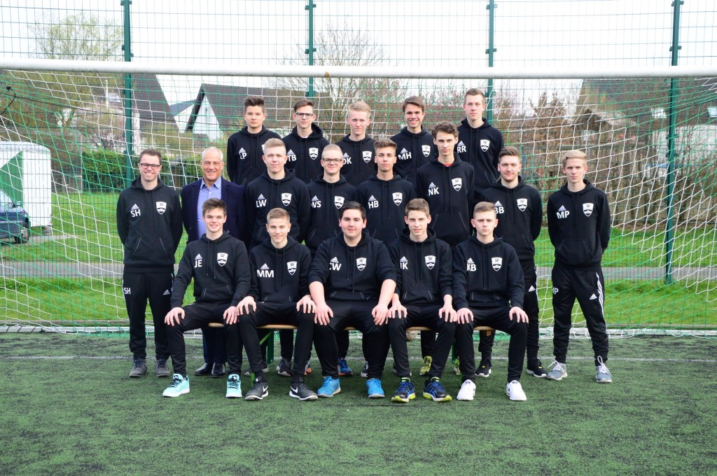 Saison 2015/16 - Mannschaftsfoto U17-1 vom 9.4.2016