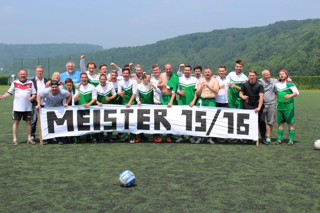 Unsere Zweite - Meister und Aufsteiger 2015/16